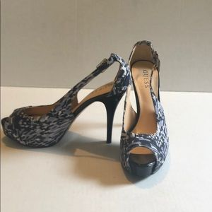 Guess peep toe platform heels size 8.5